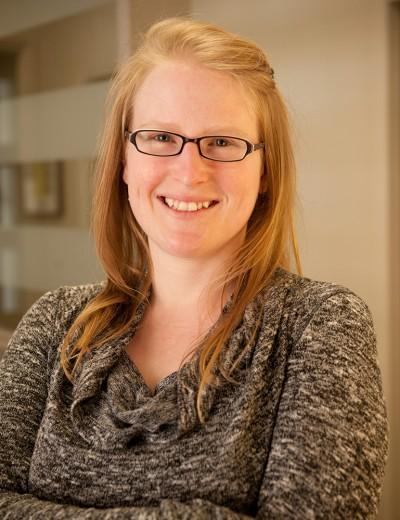Mylène Armstrong Agente à l'accompagnement et au développement - En affaires avec les Cercles  Tel.: 418-827-5256 poste 0 mylene@cerclesdempruntdecharlevoix.org