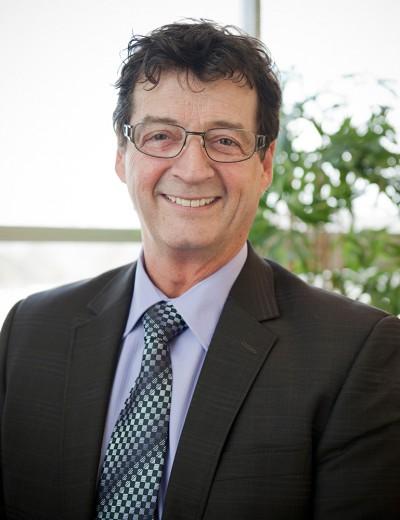 Gilles Gagné Commissaire au développement économique  Tel.: 418-827-5256 poste 202 gilles.gagne@developpementcdb.com